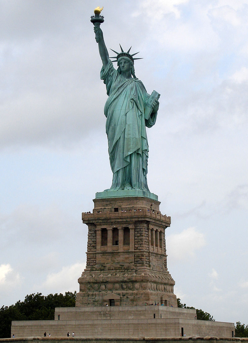 800px-Statue_of_Liberty_7.jpg